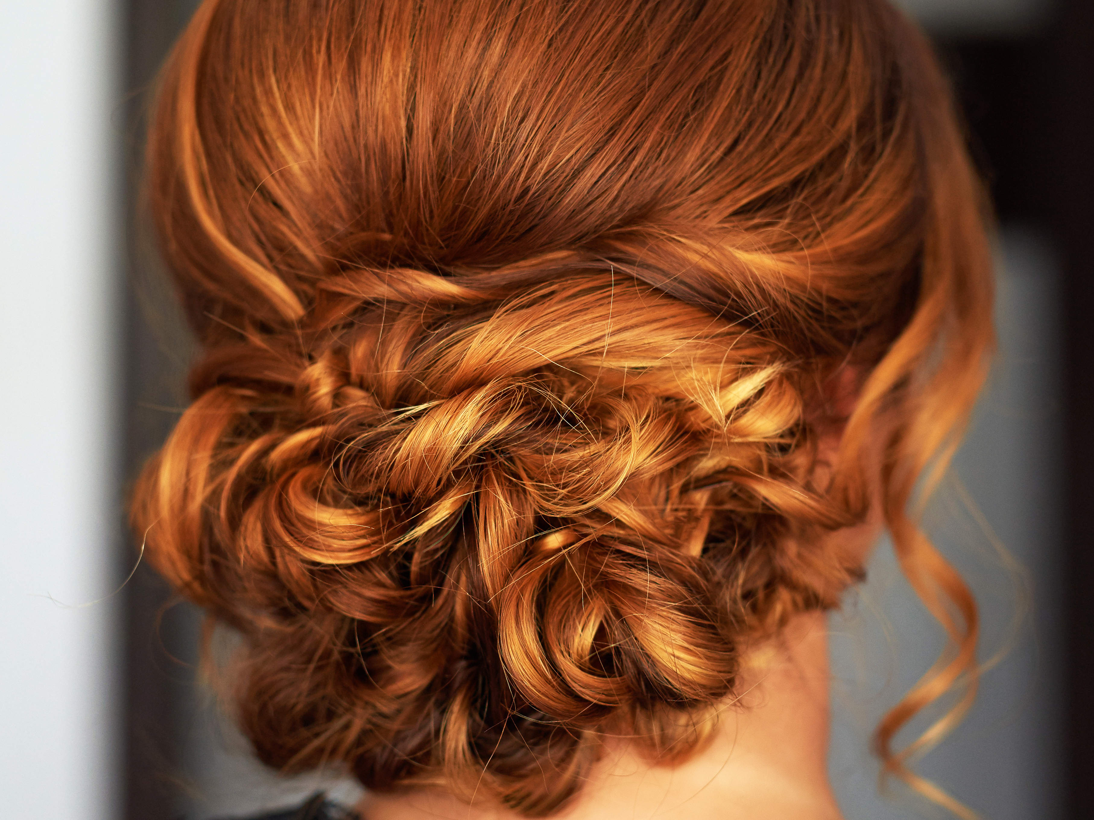 how-to-get-this-romantic-updo-video