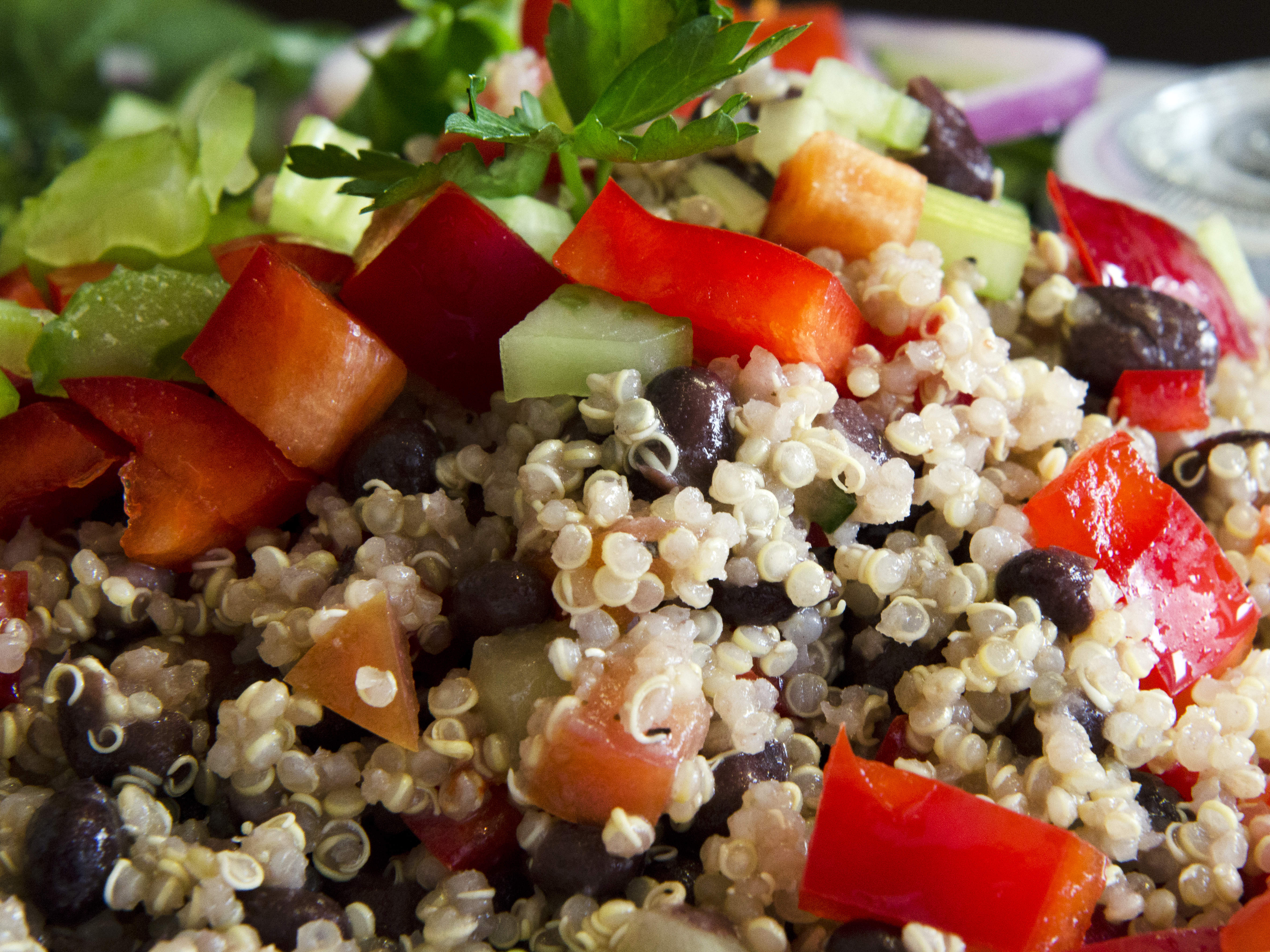 black-bean-quinoa-salad-video