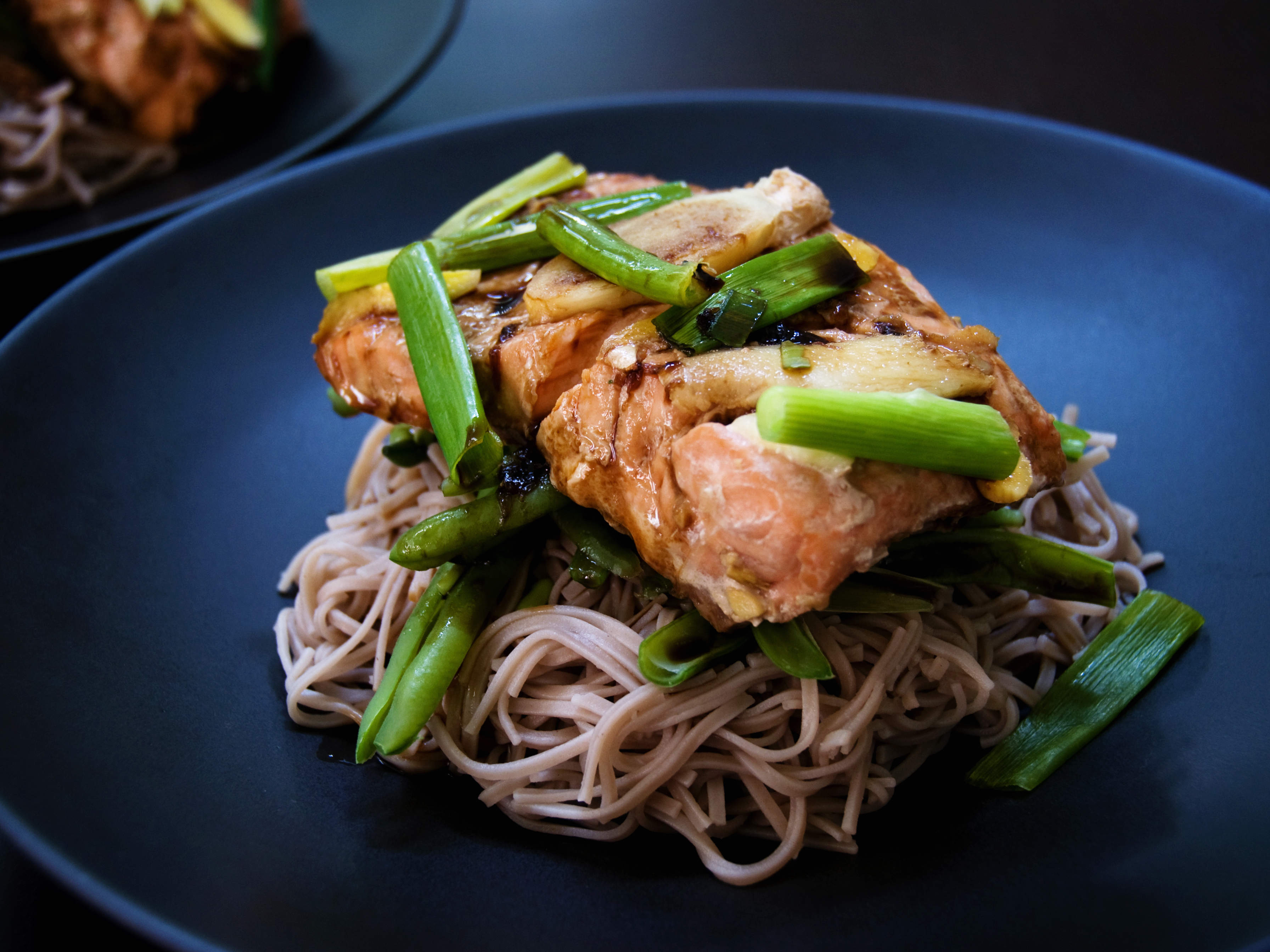 salmon-noodle-bowl-video