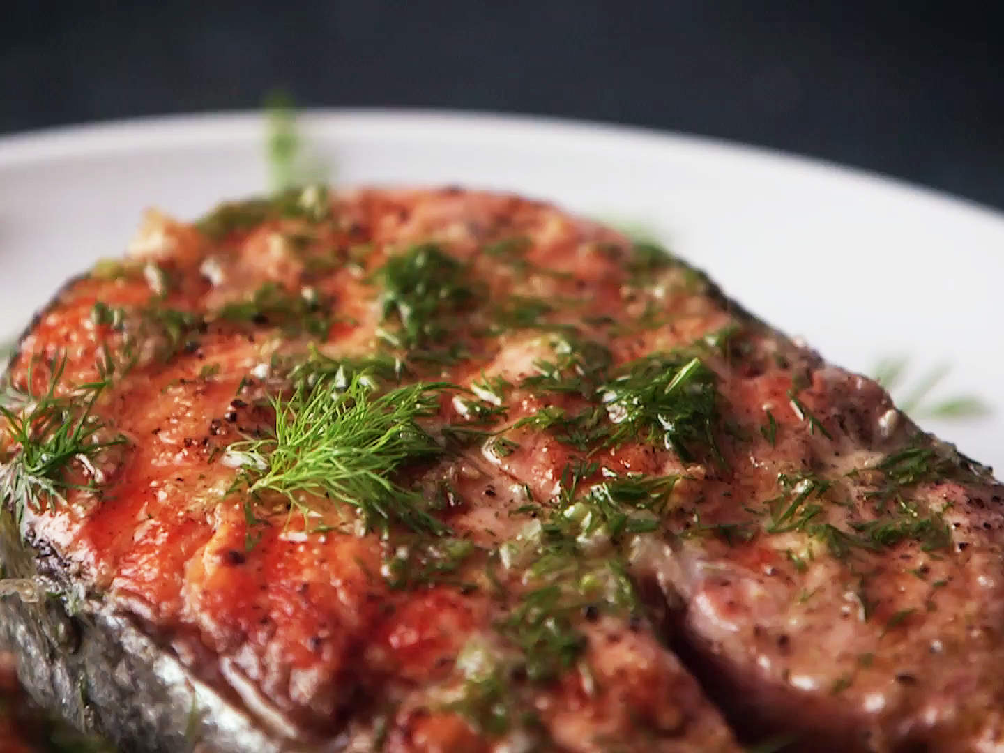 salmon-steak-with-horseradish-vinaigrette-video