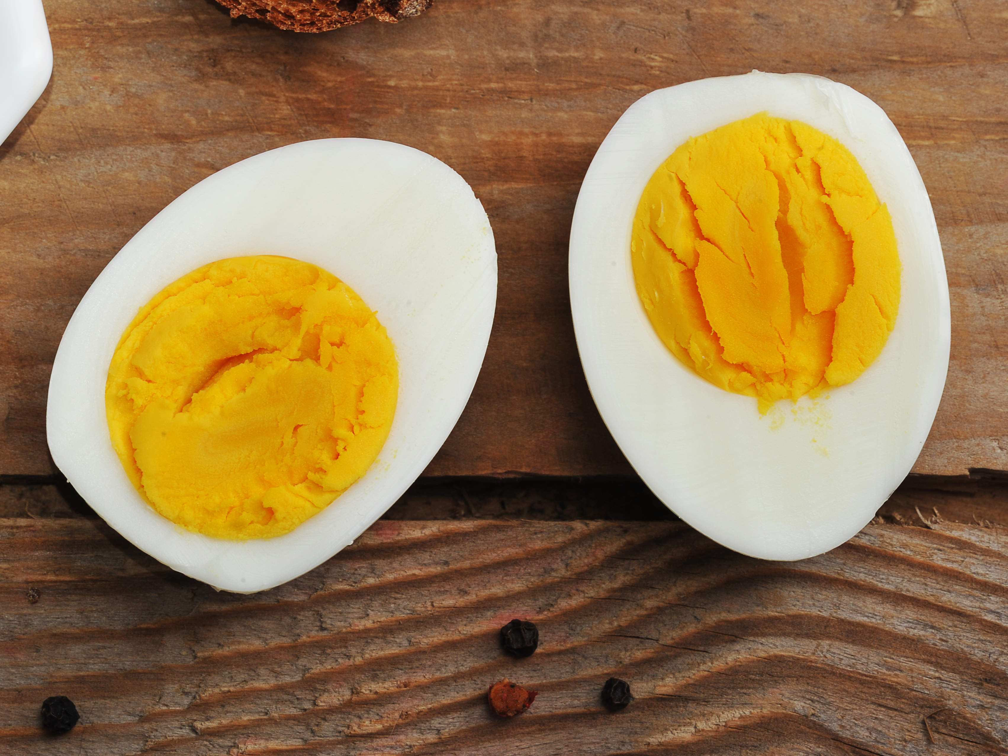 hard-boiled-eggs-yoke