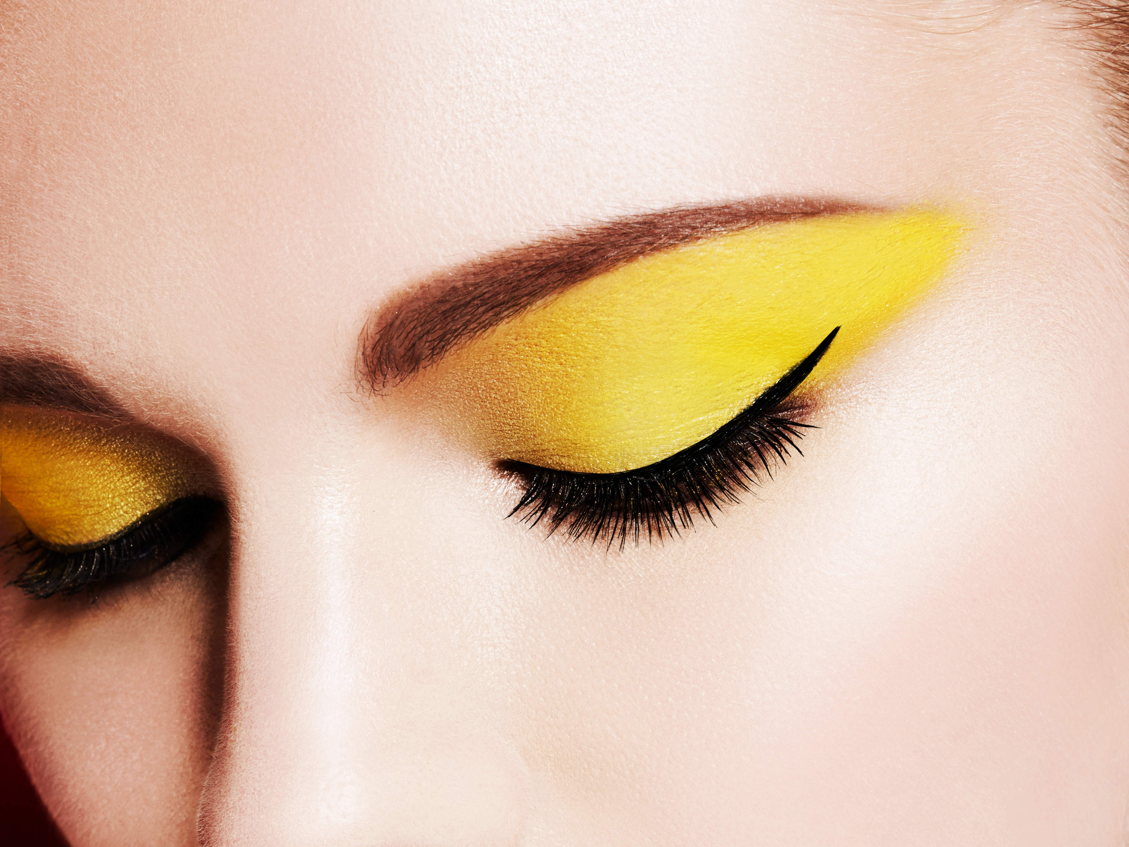 the-best-way-to-wear-yellow-eyeshadow-video