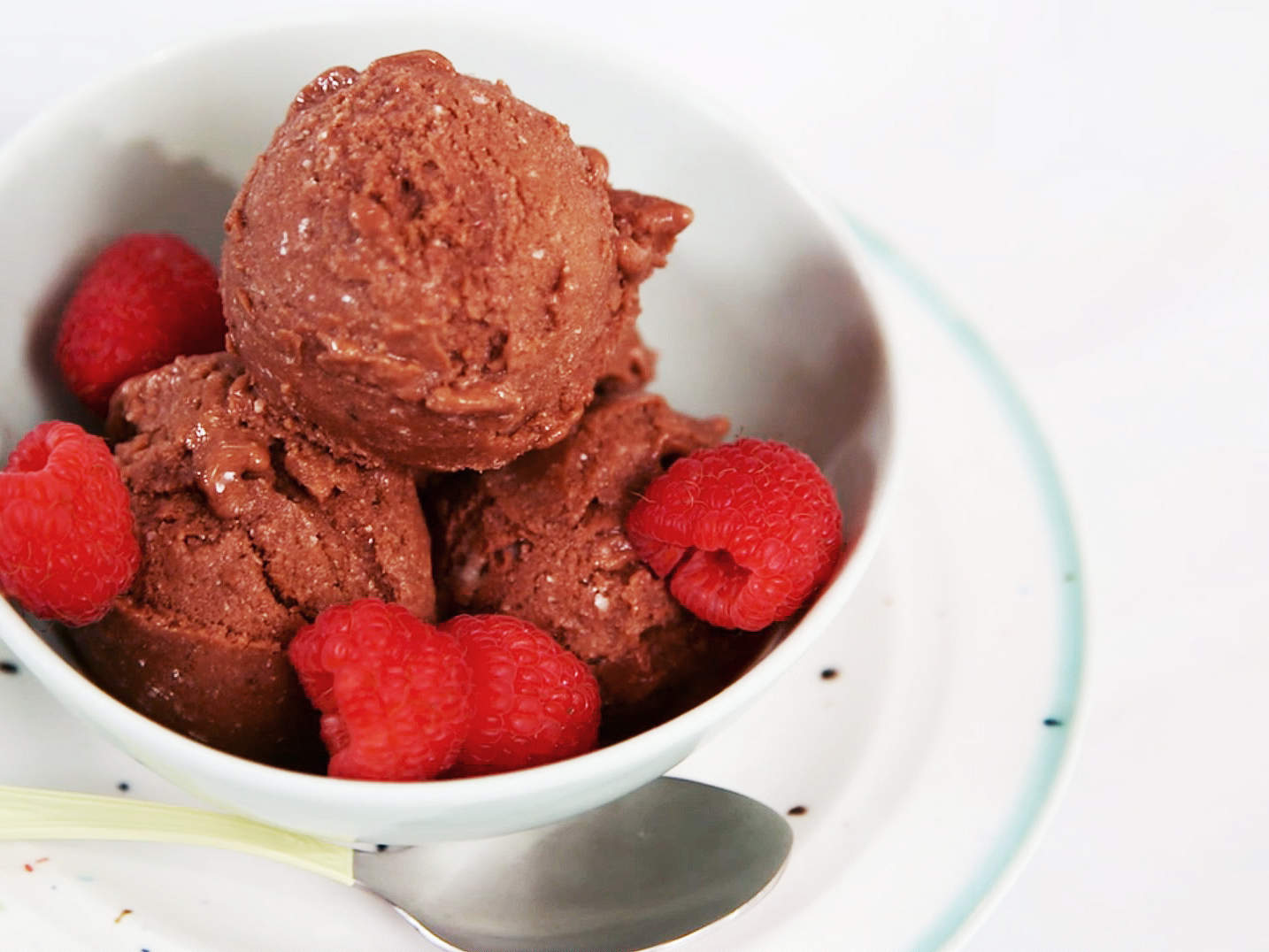 dairy-free-chocolate-ice-cream