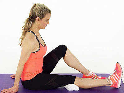 kristin-mcgee-knees-quad-stretch