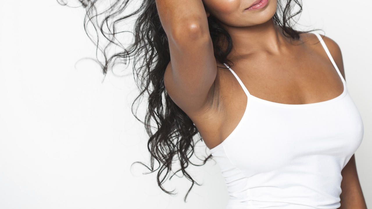 6 Invisible Deodorants That Pass the Black T-Shirt Test