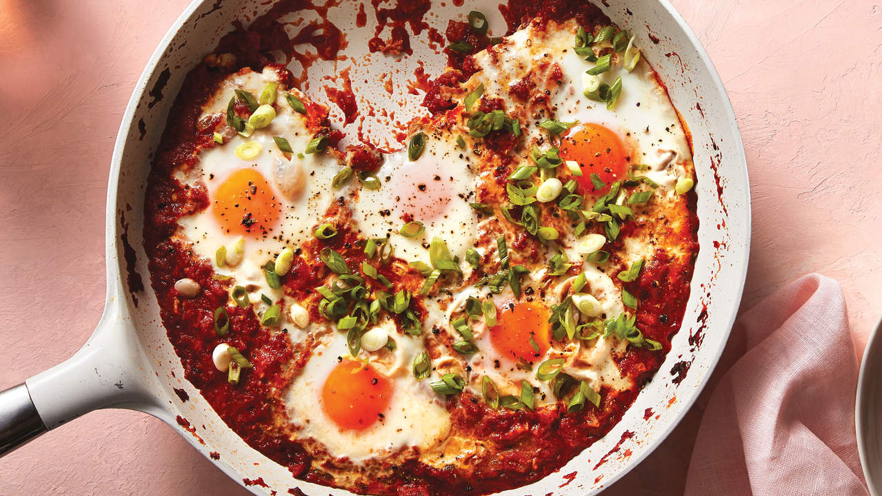 Tomato-Curry Poached Eggs Shakshuka