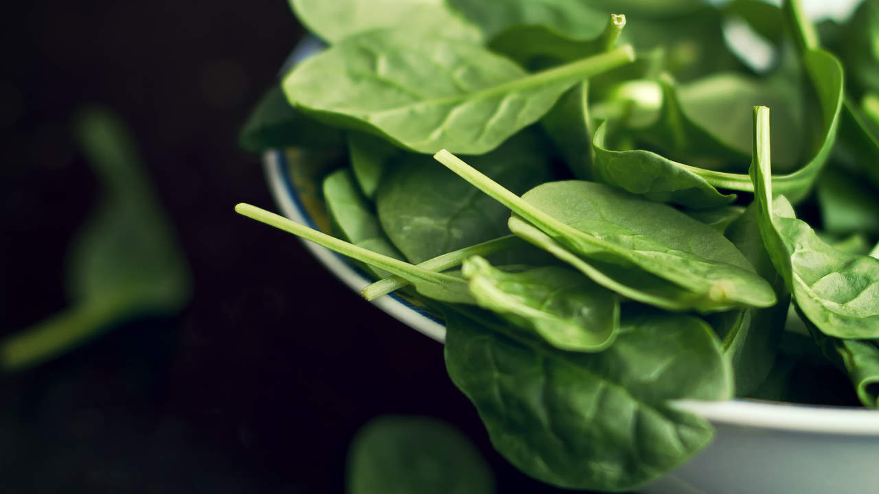 eat-greens-muscle-spinach-salad-healthy-eating