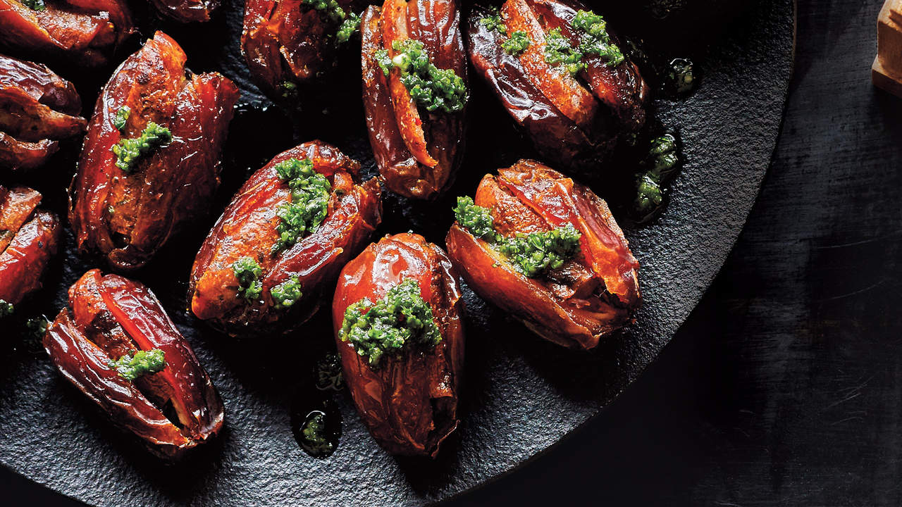 chorizo-stuffed-dates-champagne-recipes
