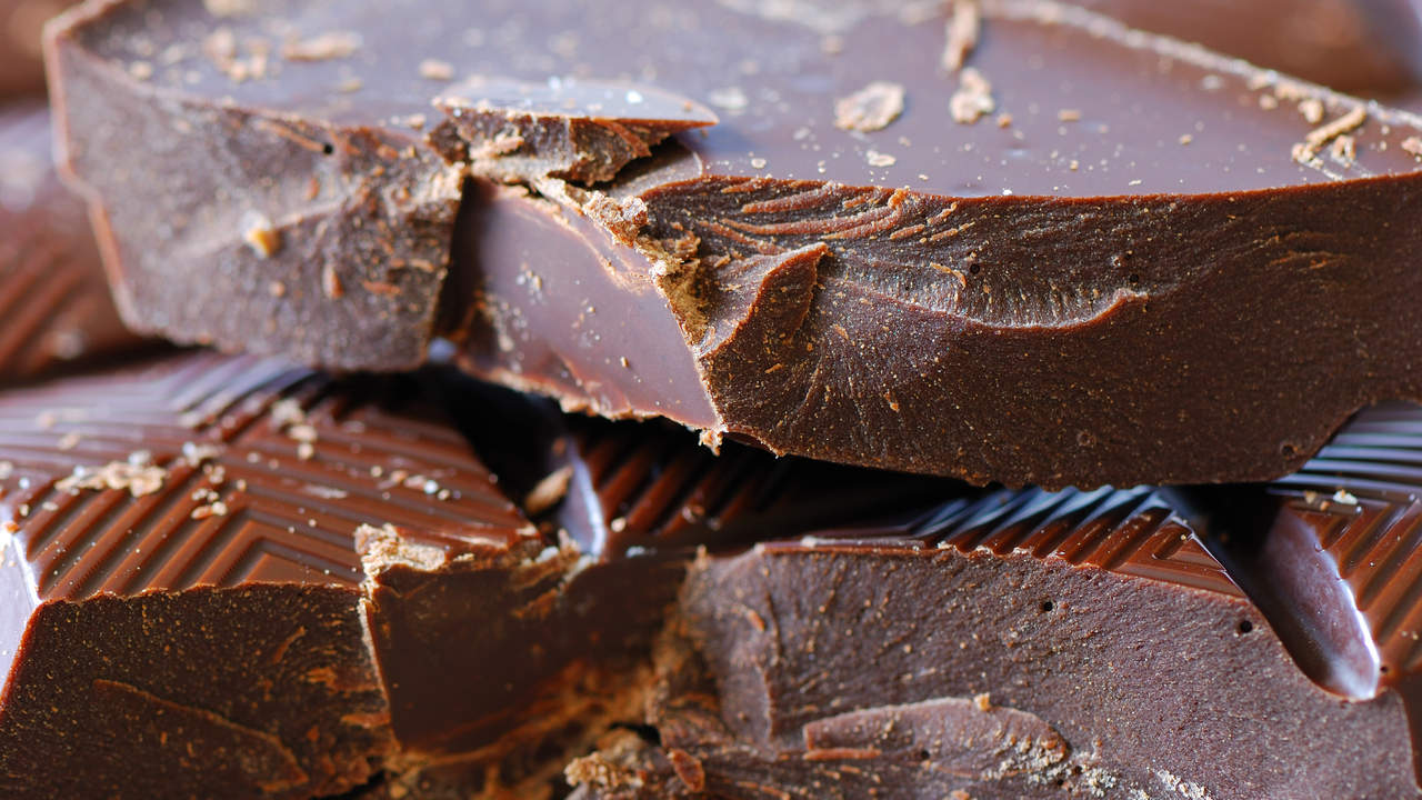 dark chocolate healthy eating brain food sugar