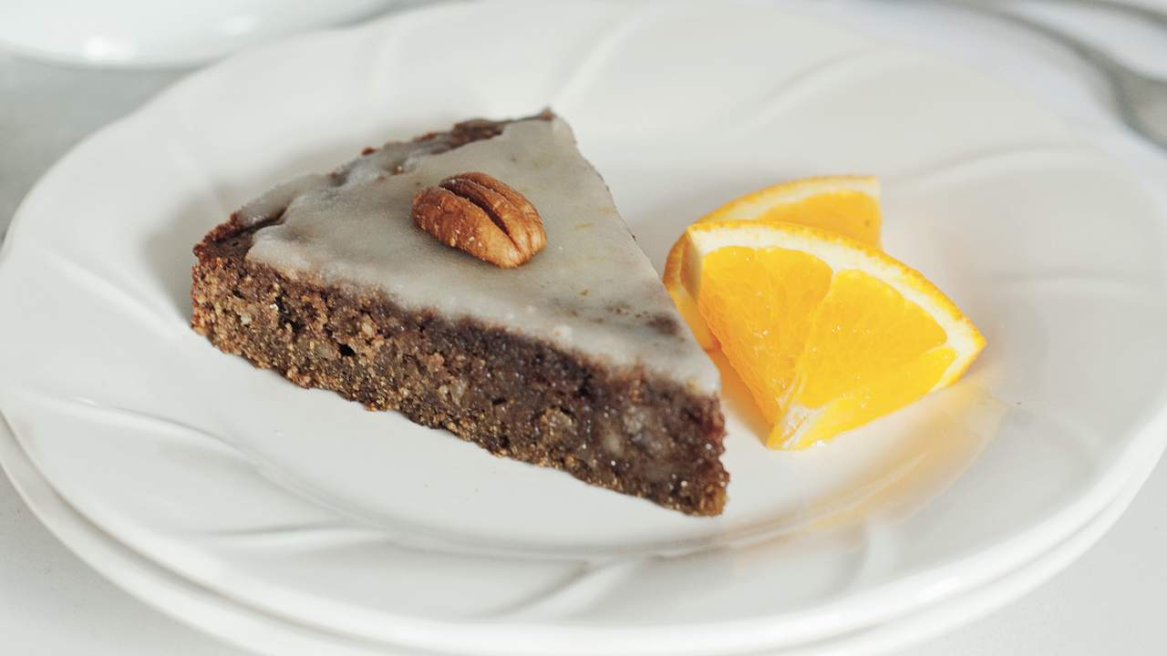 Low-FODMAP Chocolate and Orange Polenta Cake