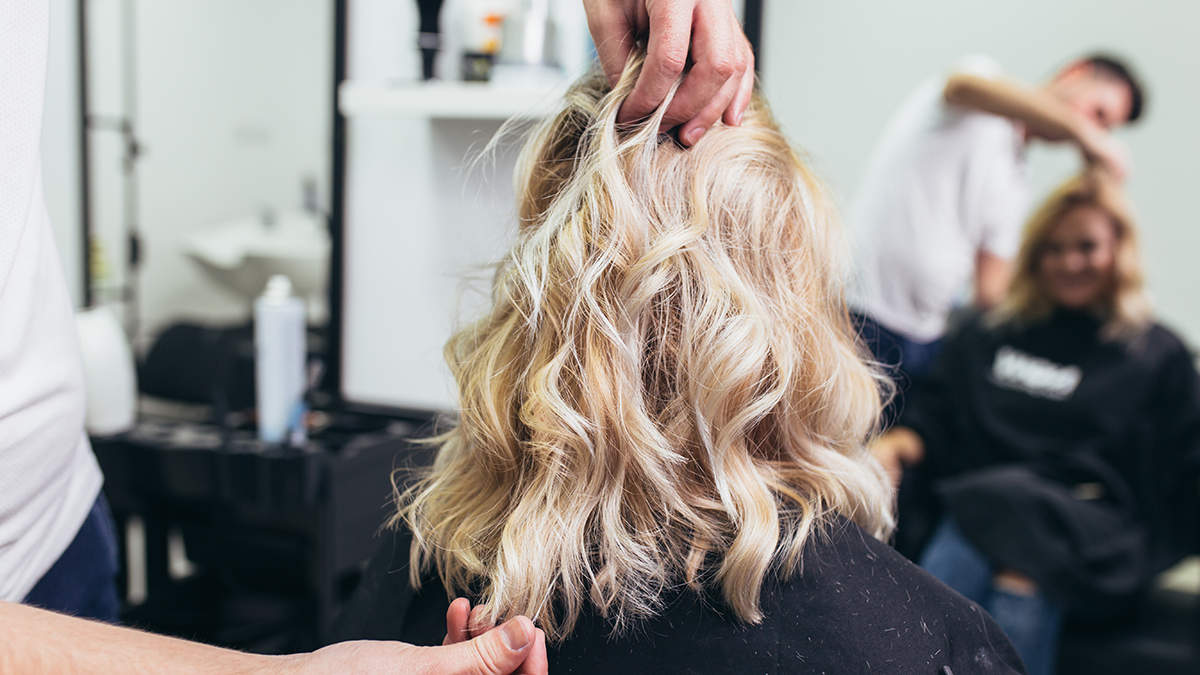 The Smoked Marshmallow Hair Color Trend Will Convince You to Go Blonde in 2019