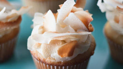 light-coconut-cupcakes