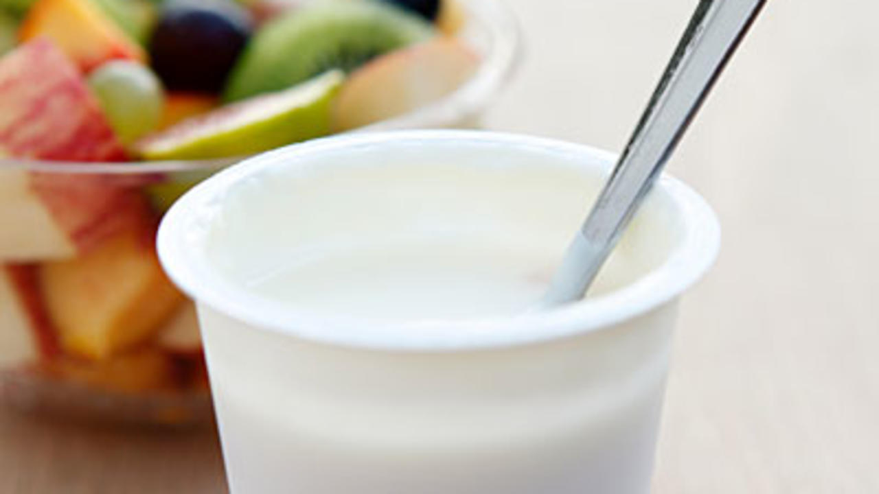 plain-yogurt-fruit