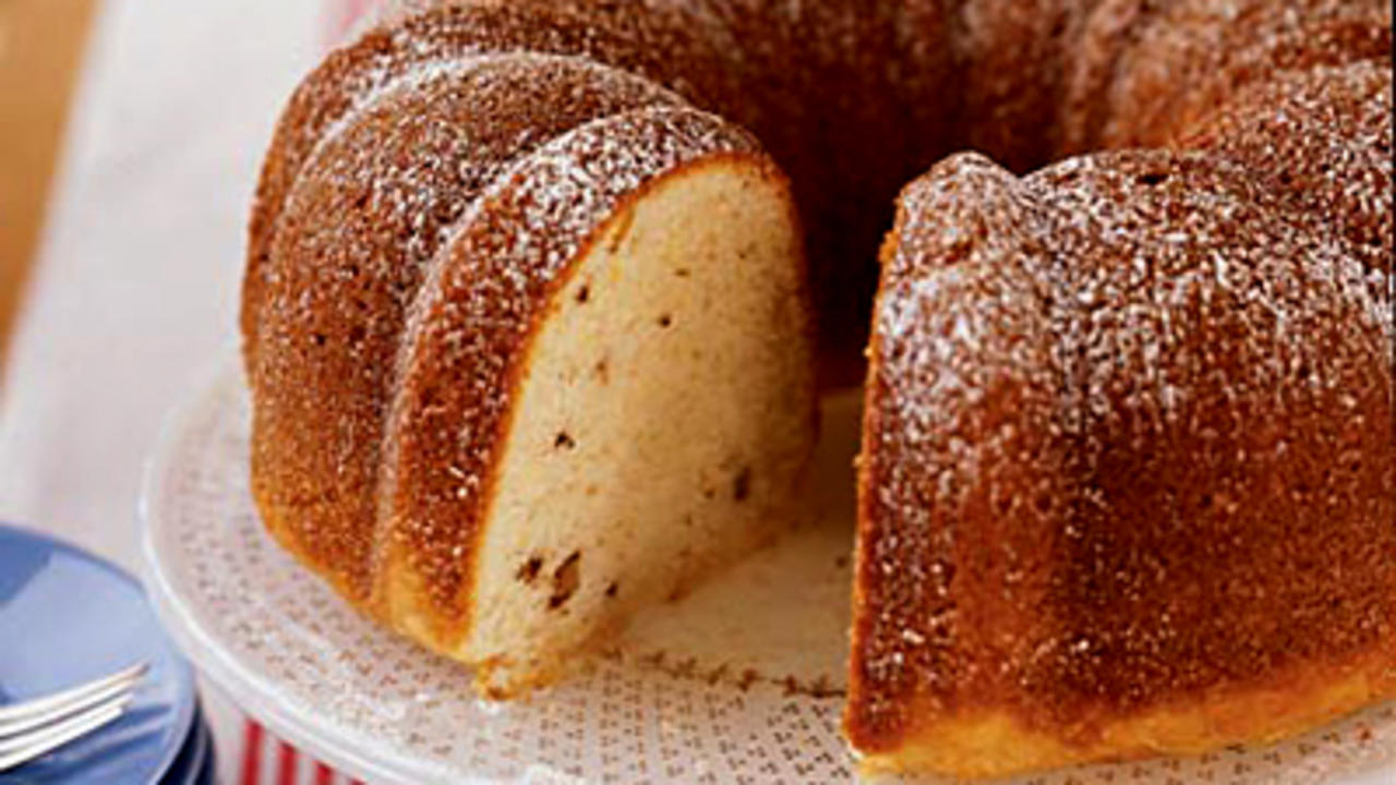 sour-cream-coffee-cake-