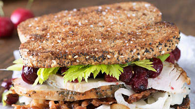turkey-sandwiches-cranberry