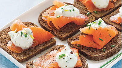 Pumpernickel Toasts With Smoked Salmon and Lemon-Chive Cream