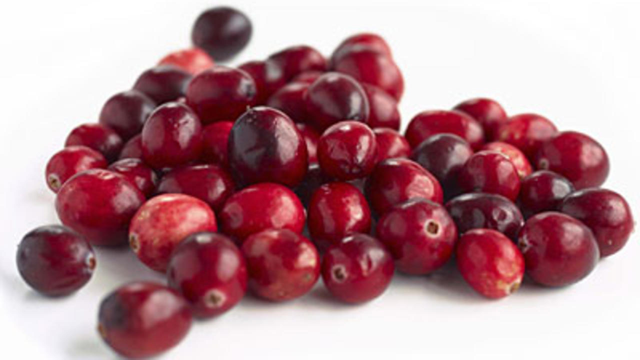 fresh-cranberries-pile