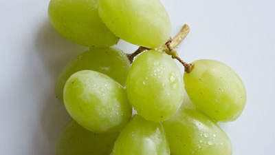 Grapes: 52 calories