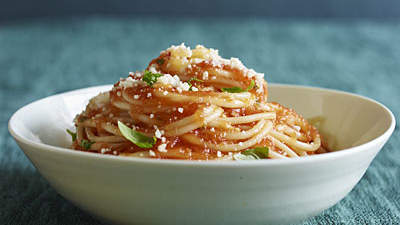 Simple Tomato Sauce With Pasta