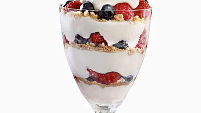 yogurt-berry-parfait