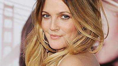drew-barrymore-dark-roots