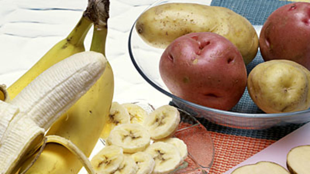 eat-banana-potassium