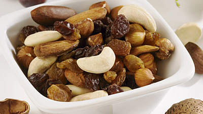 fruit-nuts-low-cal