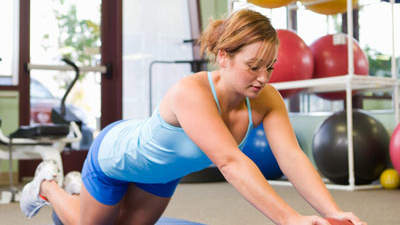 The best tool for a strong chest: Medicine ball