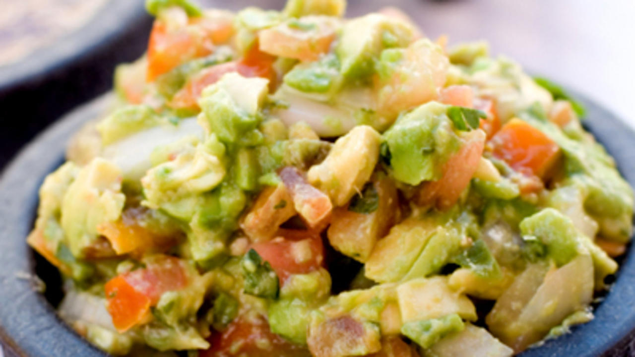 Easy raw recipes raw food health authentic guacamole forumfinder Images