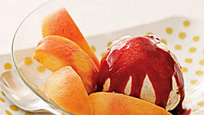 Peaches With Berry Sauce