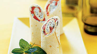 red-pepper-goat-cheese-fresh-mint-wraps