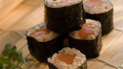 salmon-sushi-brown-rice