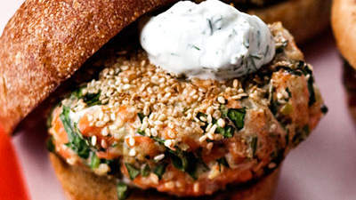 Sesame Seed-Crusted Salmon Burgers With Yogurt Sauce