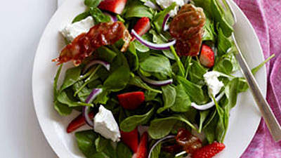 stawberry-arugula-salad