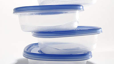 tupperware-containers-stack