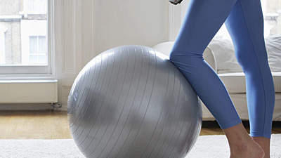 woman-stability-ball