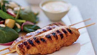 Yogurt and Spice Grilled Chicken Skewers