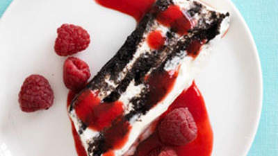 chocolate-icebox-cake-raspberry