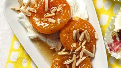 honey-vanilla-poached-apricots