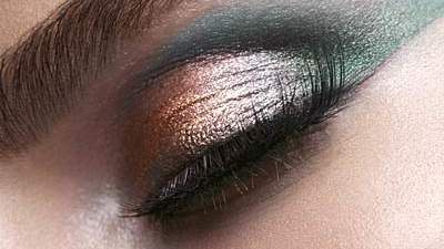 Blend your own glossy shadow