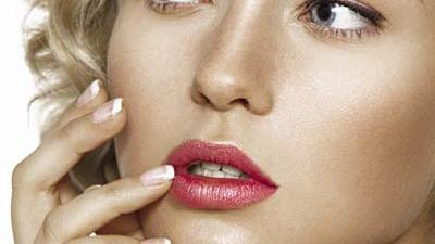 Get Glam Makeup in 10 Minutes