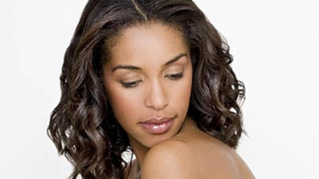 13 Ways the Holidays Can Ruin Your Looks