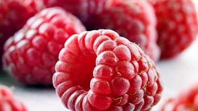 heart-raspberries