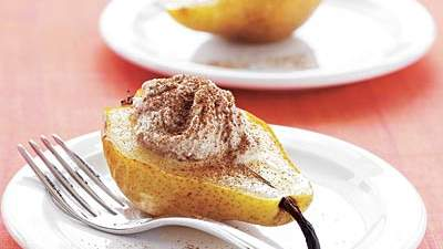 Warm pear with cinnamon ricotta