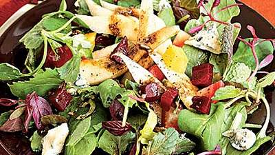 pear-beet-gorgonzola-green-salad