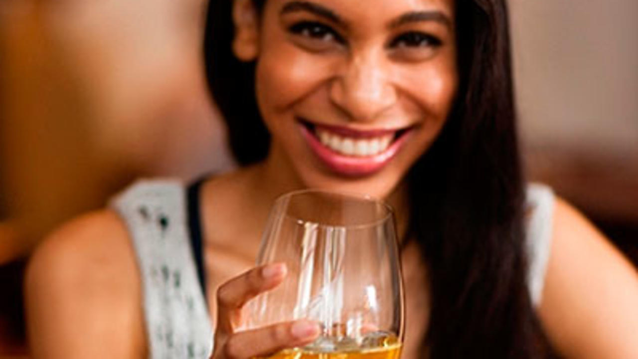 7 Ways to Keep Alcohol From Ruining Your Diet