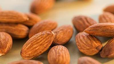 100-calorie almond packs