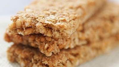 Whole-grain protein bars