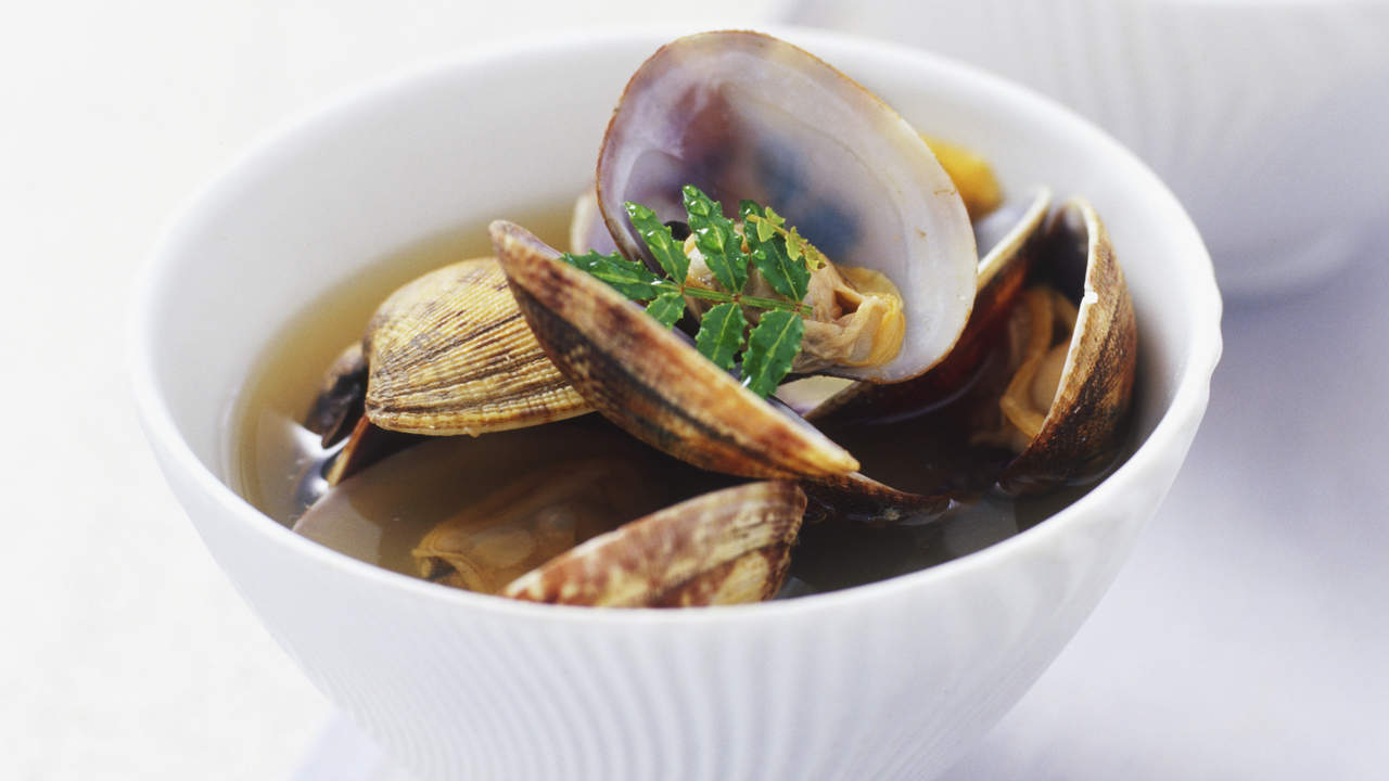 miso-soup-clams