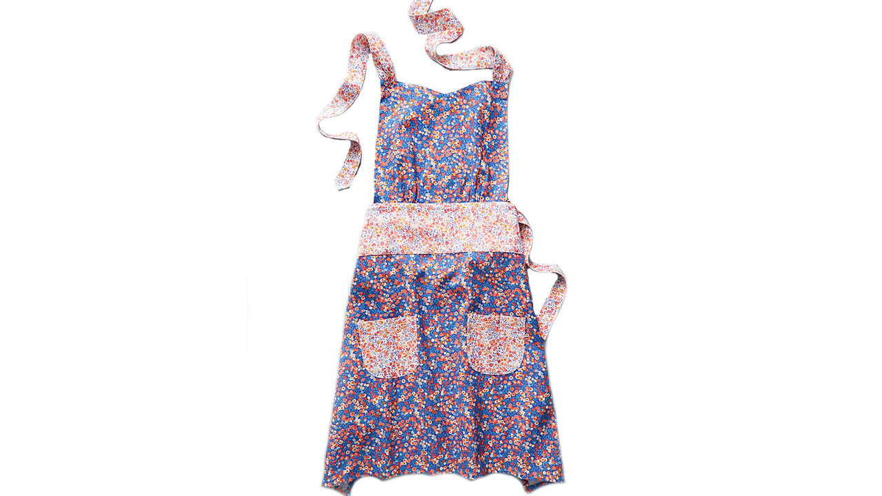 <p>Liberty for Anthropologie Wiltshire Berry Apron</p>
